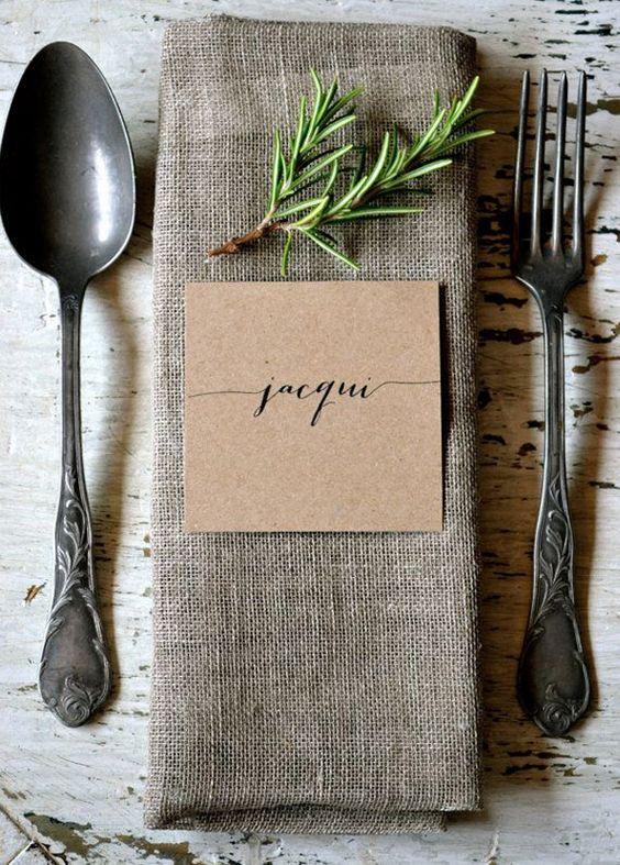 dettagli tavola matrimonio con erbe aromatiche