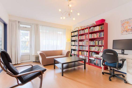 Ganhe uma noite no Spacious & bright apt in quiet area - Apartamentos para Alugar em Amsterdã no Airbnb!
