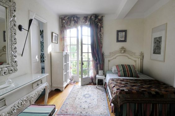 Bedroom Single French Country Interiors - http://quickhomedesign.com/bedroom-single-french-country-interiors/?Pinterest