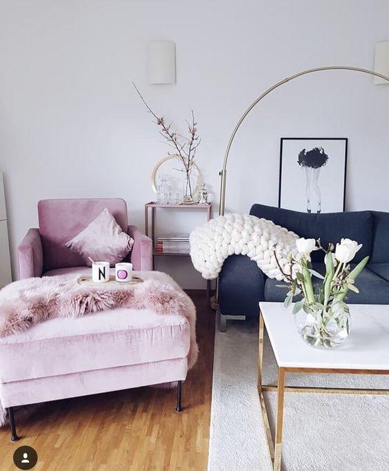 Sofá colorido? 40 inspirações para ter uma decoração de sala mais cool