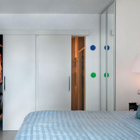 porta do banheiro e do closet