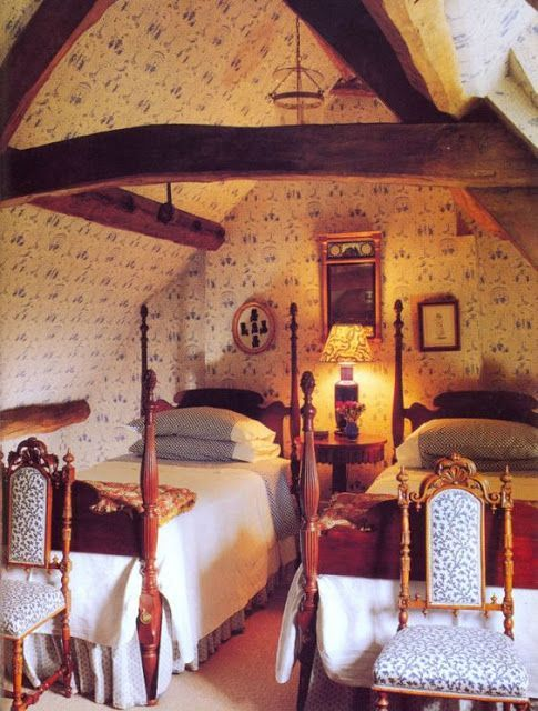 Turning Your Attic Into A Bedroom Is A Fine Idea Especially For Little Houses The Song There Is Usual Attic Bedrooms Antique Bedroom Furniture Cottage Bedroom