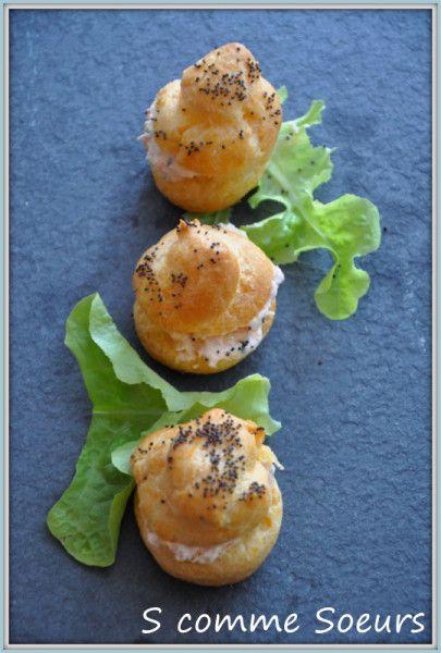 Un petit avant goût de fêtes avec ces petits choux à la mimolette garnis d'une mousse au saumon fumé et au citron confit.... On peut préparer les gougères à l'avance (voir même les congeler) et garder la mousse filmée au réfrigérateur, par-contre il faudra...
