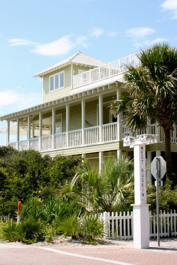 Beautiful house with wraparound balcony and rooftop - Beautiful houses with balcony ...