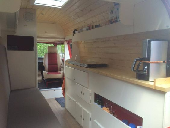 Camping cars camionnette and camping car on pinterest for Interieur estafette