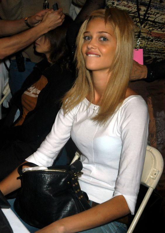 Ana Beatriz Barros - Full Size - Page 12