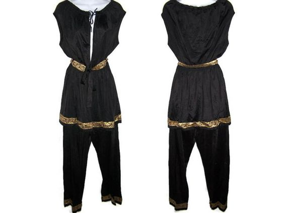 Vintage 50s Lingerie - Black & Gold Plunging Neck Top and Pillow Top Tab Pants Pajamas Set by Movie Star - Women's Size Large Lingerie