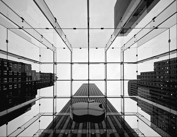 Apple Store on 5th Avenue  NYC
