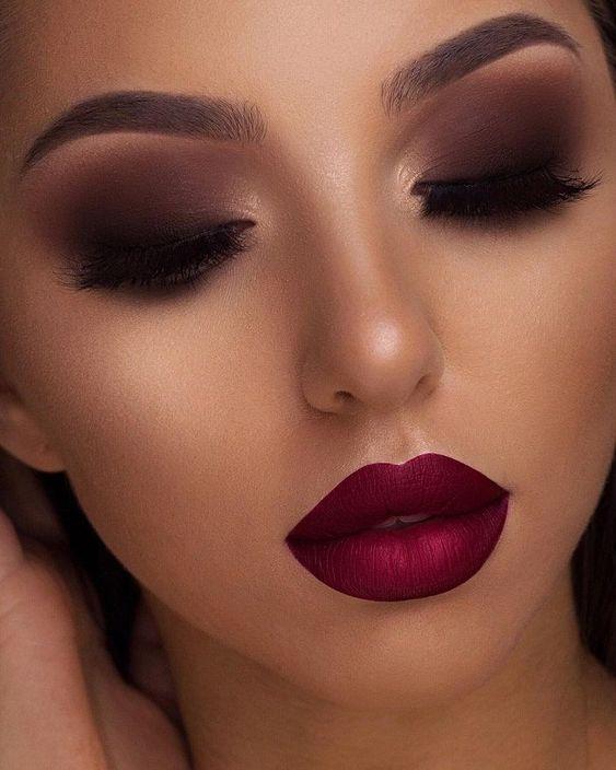 Tutoriales e imágenes de maquillajes  1649b7ea7bce3006de7f8f04ffb00e9e