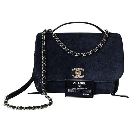 Chanel Affinity Flap Bag Leather In Black Second Hand Kaufen Sie Den Artikel Chanel Affinity Flap Bag Leather In Black Gebraucht Und In 2020 Bags Chanel Bag Flap Bag