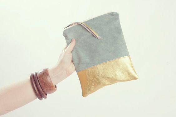 Goldene Hochzeit-Kupplung. Minze grün Wildleder Clutch. Metallische Brautjungfer Tasche. Pastell und Metallic.