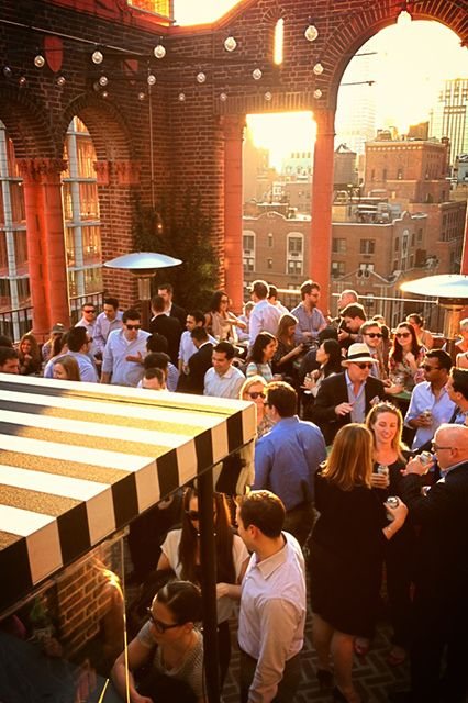 8 NYC Bars With The Most Incredible Views Of The City #refinery29. I'll need to remember this, these look amazing!