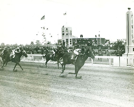 Shut Out winning the 1942 Kentucky Derby. Blood-Horse Library photo.