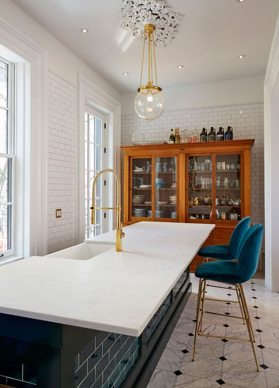 Moderne Küchen, Küchenfliesen and Metro Fliesen on Pinterest