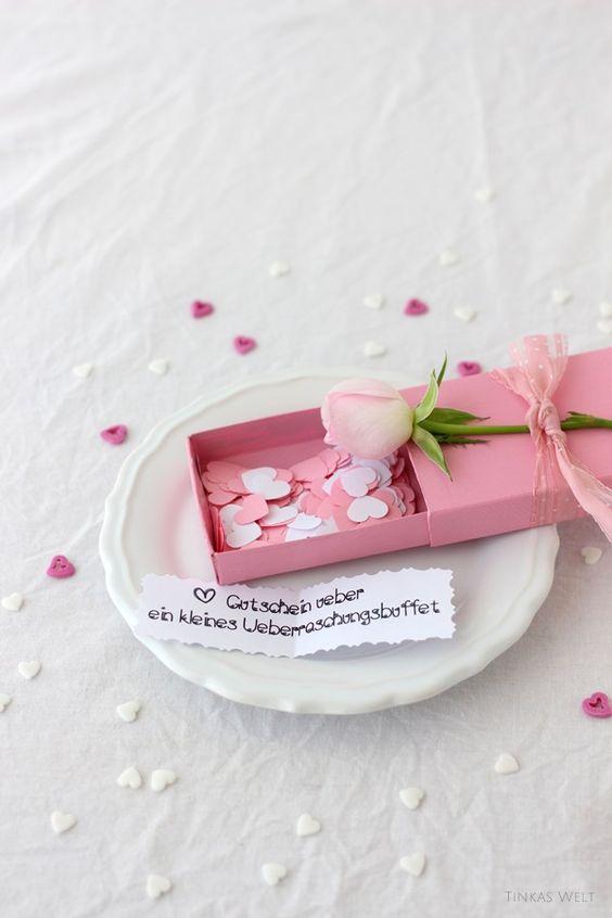 Tinkas Welt: Gutschein für Valentine nett verpackt