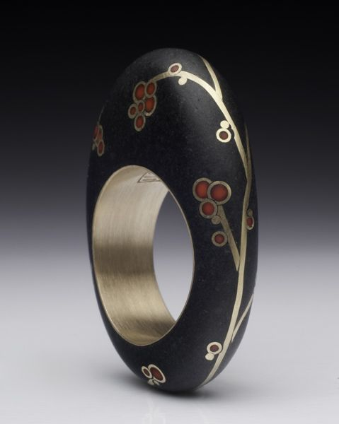 Bound Earth by Andrea Williams | Ethnic Jewels Magazine  Andrea Williams is an independent fine art jewelry designer living in New England. She is an accomplished metalsmith who specializes in contemporary, eco-conscious, nature inspired jewelry.