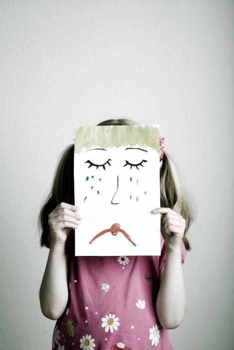 Autoridad pero con medida, puedes dañar su autoestima y hacerle sufrir si te pasas.