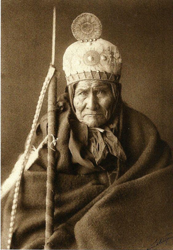Geronimo, Chiricahua Apache Chief (1905) - Edward Curtis