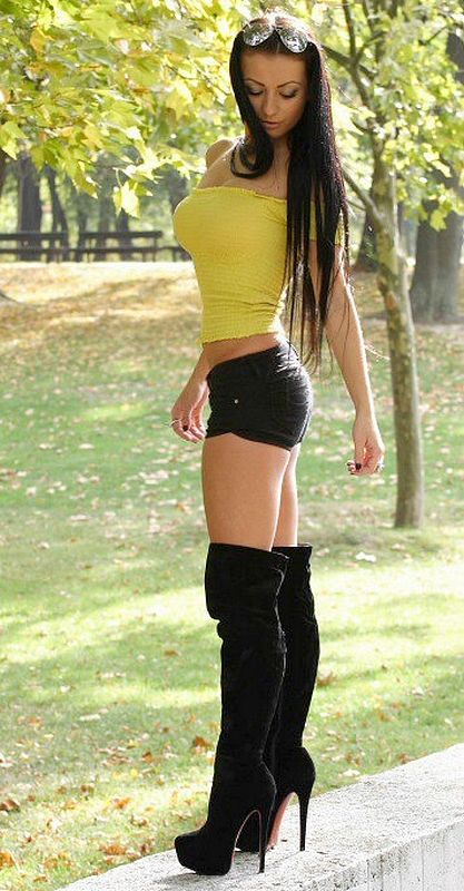 Naked Boots Babes Hot And Sexy Boots Women Pics