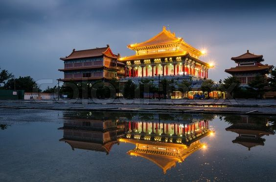 chinese-temple-in-the-night-at-thailand