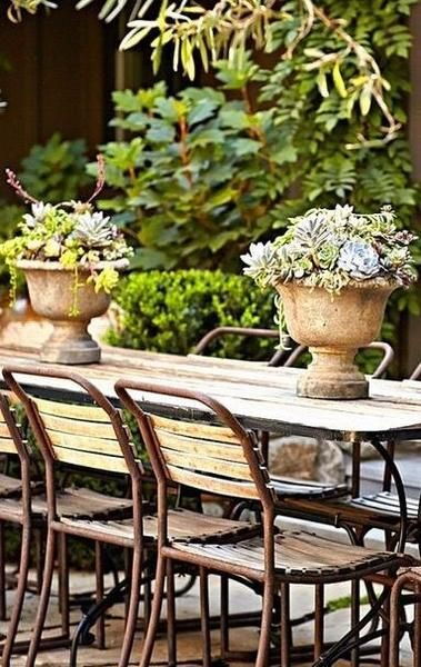 13 ways to decorate with antique urns