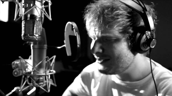 """The Hobbit: The Desolation of Smaug - Ed Sheeran """"I See Fire"""" I can not stop listening to this song! <3"""