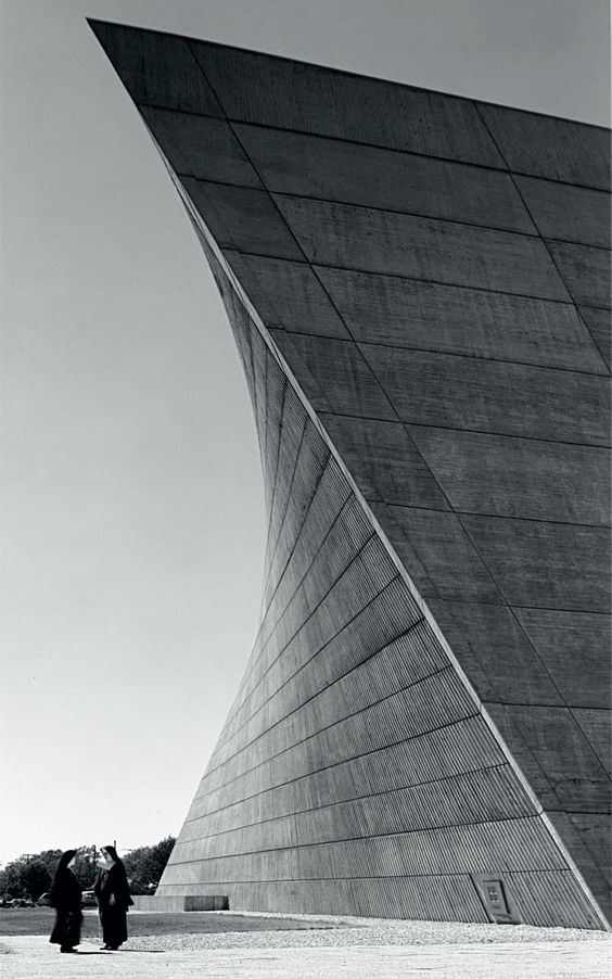 Marcel Breuer: Church of St Francis of Sales, Muskegon, Michigan, (1964-1966, with Herbert Beckhard). © Photo Hedrich Blessing (HB-30662-Z) - Chicago Historical Society. / www.yatzer.com/Marcel-Breuer-design-architecture