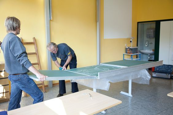 Kindergartenmöbel und Schulmöbel online kaufen! Upraid – Aus Alt wird Neu inkl. Interaktiven Beamer
