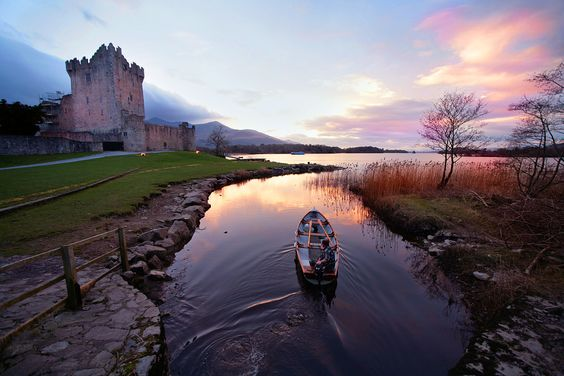 CASTLE ROSS ... on the banks of Lough Leane in Killarney Natl. Park ... Co. Kerry, Ireland
