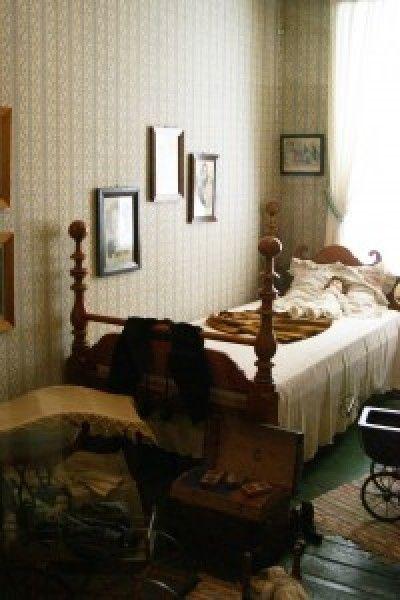 Sarah's room in the Golden Lamb Inn