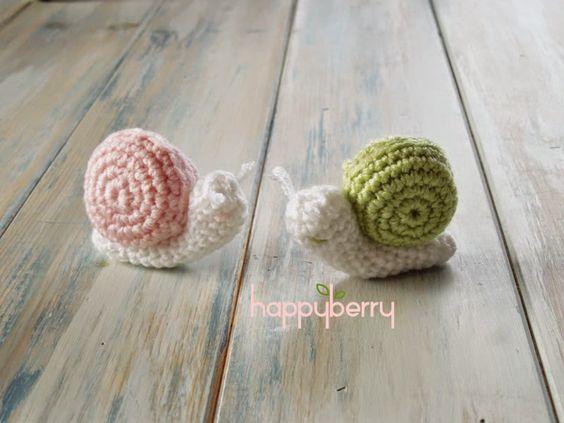 Happy Berry Crochet: Crochet Micro Miniature Snail Pattern Tutorial & Video ༺✿ƬⱤღ  http://www.pinterest.com/teretegui/✿༻