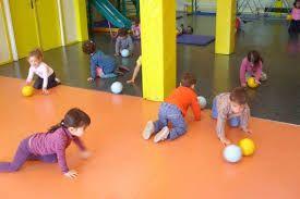 Jeux sportifs pour maternelles avec et sans matériel.
