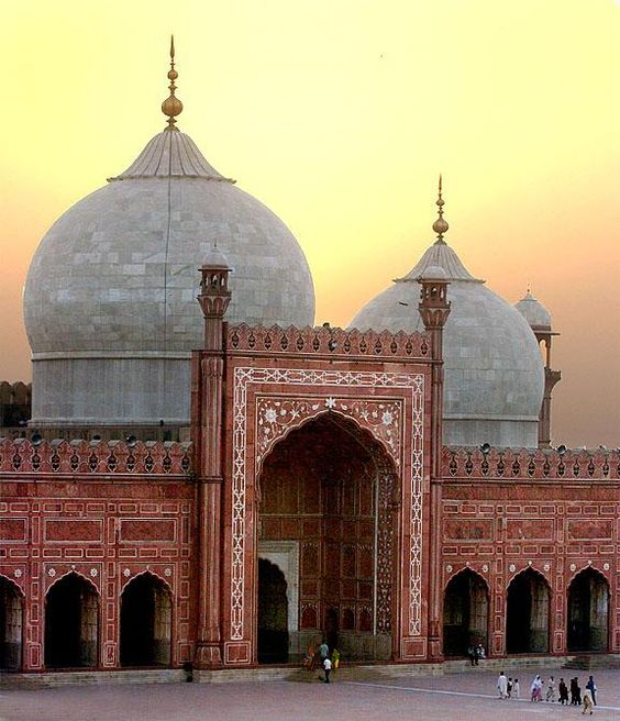 Beautiful Badshahi Mosque, Lahore Pakistan