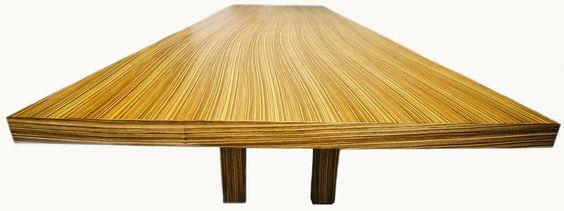 Tisch in Zebrano
