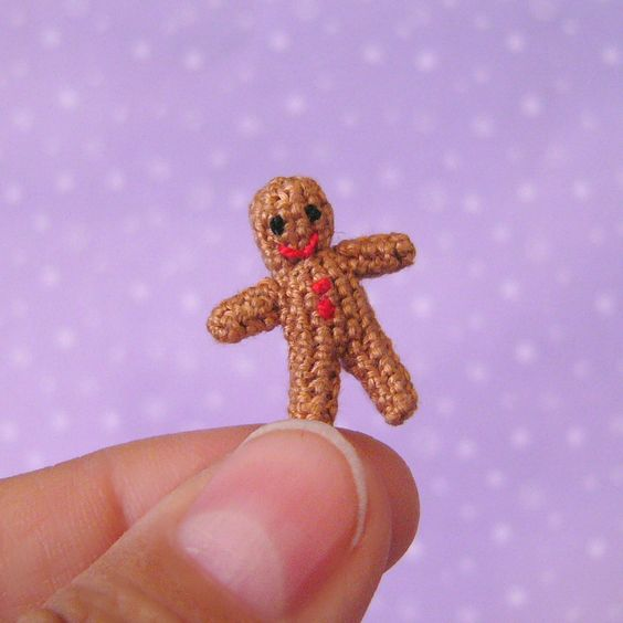 How to: Micro mini crocheted gingerbread man.