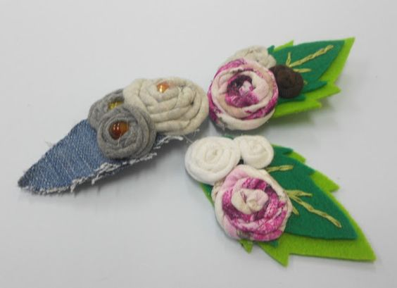 Broche con trapillo y fieltro