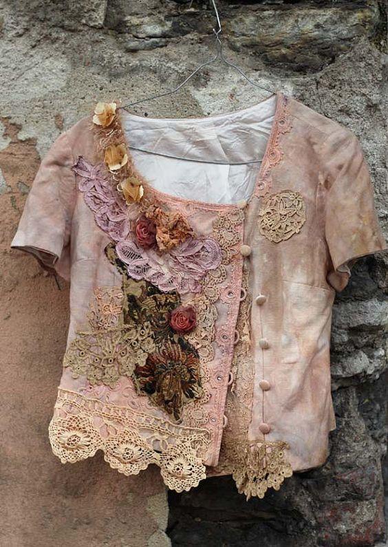 petite promenade veste no2 - extravagant retravaillé vintage lin veste, wearable art, à la main des détails brodés et perlés,: