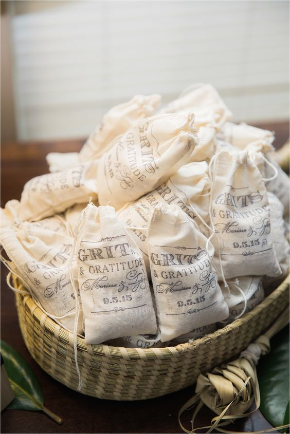 Southern Wedding Gift Bag Ideas : bags of grits as a wedding favor. So perfect for a southern wedding ...