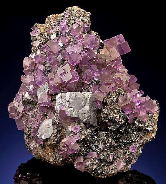 Fluorite avec Galène sur Sphalerite. Annabel Lee Mine, Hardin County, Illinois Photo © geogallery