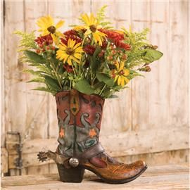 IN THE YARD: Cowboy boot planter. This would be so perfect next to ...