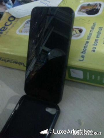 iphone 5 16G noir trés bon état