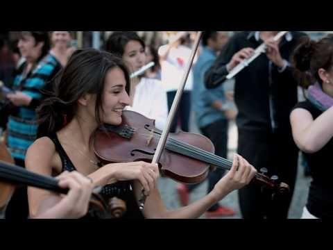 Mozart Flashmob In Prague By Azerbaijan Student Network Flashmob Prague Mozart Turkishmarch Youtube International Music Beautiful Songs Flash Mob