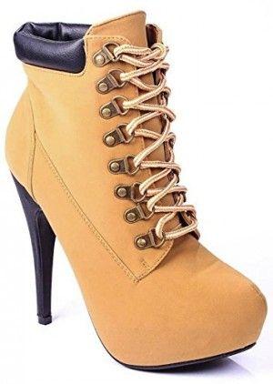 Botines con tacón, encuentra más estilos de botas militares  aquí...http://www.1001consejos.com/botas-estilo-militar/