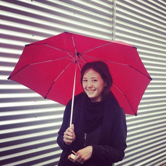 THIS GIRL #makesmyday #pigenmedparaplyen #keaweekomni #omg #justbuildshit @Ela Pandolfi