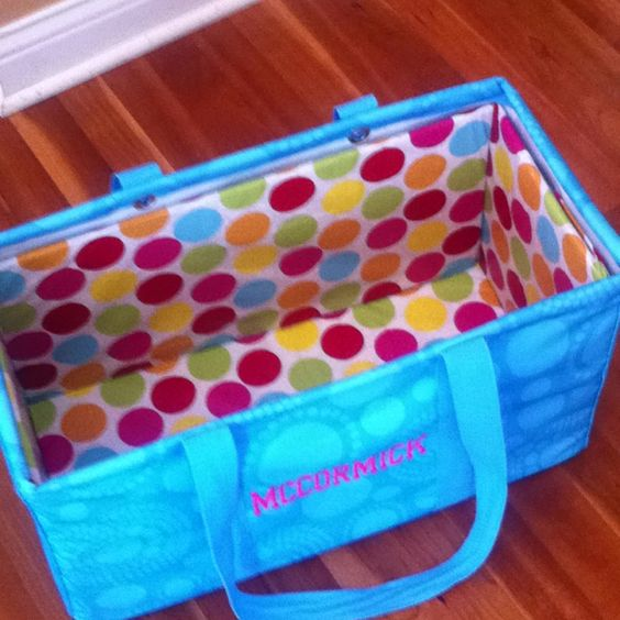 So need to do this!! Create a liner for my 31 Gifts Large Utility Tote.  Now it will stand perfectly rather than slouching as it came. Uses sturdy cardboard and a plastic table cloth - very easy.