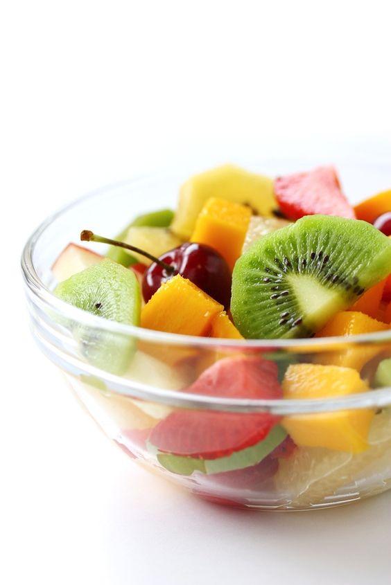 Bom dia! Frutas no café da manhã é uma delicia.