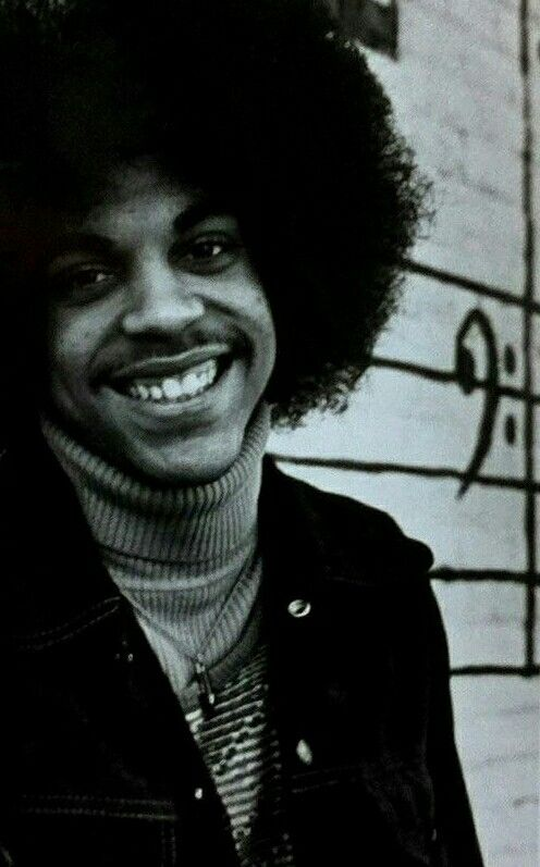 That happy soulful smile ■●•Full on Prince •●■