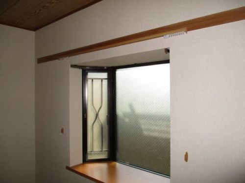 東京都世田谷区奥沢のインテリア山田です 出窓のカーテンレール