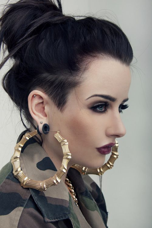...hate the earrings but love the makeup