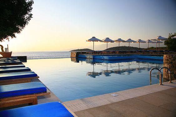 St Nicolas Bay - Grèce, Agios Nikolaos     Pour consulter le descriptif de cet hôtel, cliquez ici : http://www.directours.com/p/st-nicolas-bay-2867